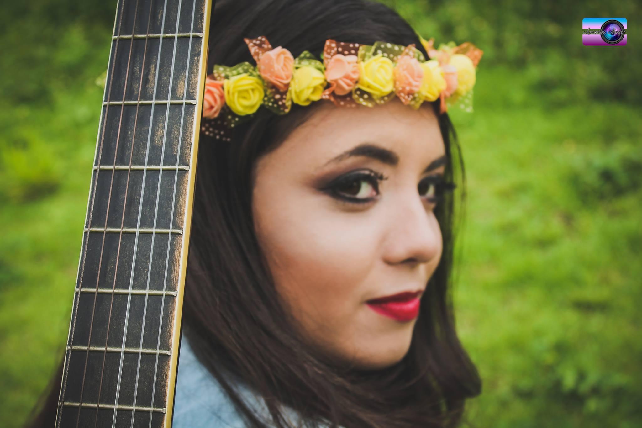 ALÉM DA COMUNICA: Aluna se torna destaque por seu talento musical