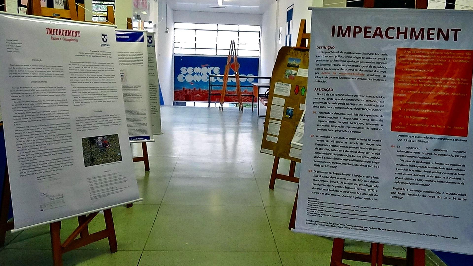 8859fd7a073c Banner sobre Impeachment é debate no Departamento